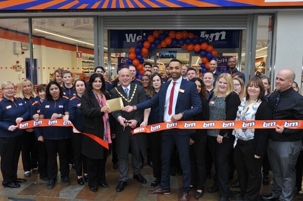B&M opens in the Mander Centre, Wolverhampton